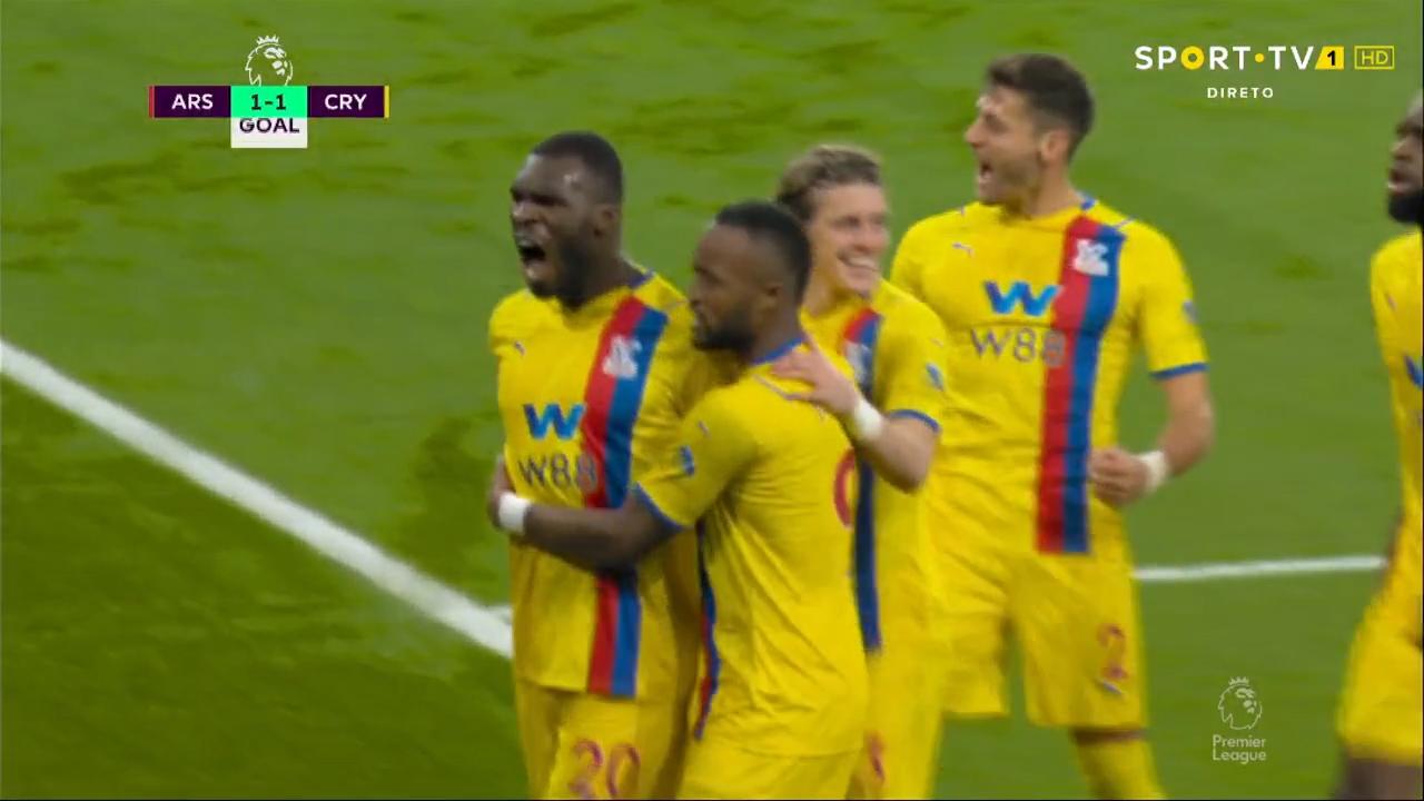 GOLO! Crystal Palace, C. Benteke aos 50', Arsenal 1-1 Crystal Palace