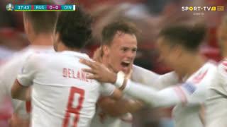 GOLO! Dinamarca, M. Damsgaard aos 38', Rússia 0-1 Dinamarca