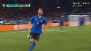 GOLO! Itália, M. Locatelli aos 26', Itália 1-0 Suíça