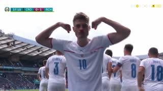 GOLO! República Checa, P. Schick aos 37', Croácia 0-1 República Checa