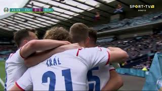 GOLO! República Checa, P. Schick aos 42', Escócia 0-1 República Checa