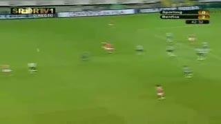 Benfica, jogada Miccoli, 42 min