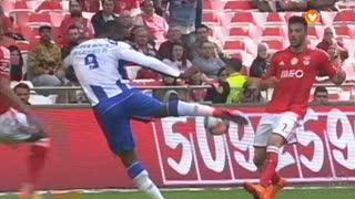 FC Porto, Jogada, Jackson Martínez aos 34'