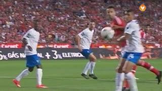SL Benfica, Jogada, Lisandro López aos 39'