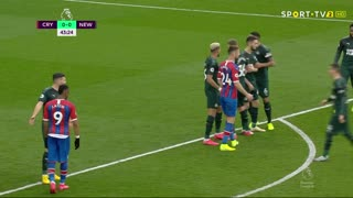 GOLO! Crystal Palace, P. van Aanholt aos 44', Crystal Palace 1-0 Newcastle