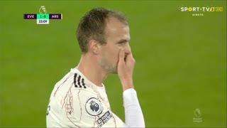 GOLO! Everton, R. Holding (p.b.) aos 22', Everton 1-0 Arsenal