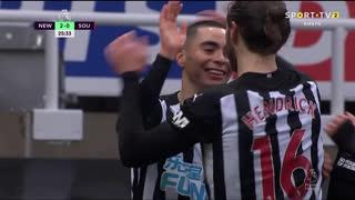 GOLO! Newcastle, J. Bednarek (p.b.) aos 26', Newcastle 2-0 Southampton