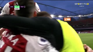 GOLO! Arsenal, A. Lacazette aos 64', Arsenal 2-1 Tottenham