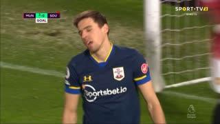 GOLO! Man. United, J. Bednarek (p.b.) aos 34', Man. United 3-0 Southampton